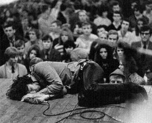 Jim Morrison collasped on stage